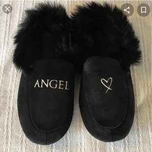 "VS black faux fur ""♡Angel"" slipper Limited edition"